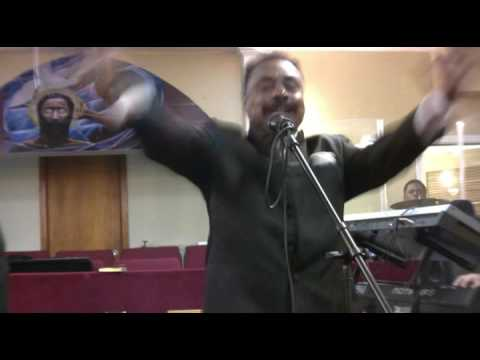 Melody Clouds lead devotion for Herman Magic Charles Appreciation 1292016