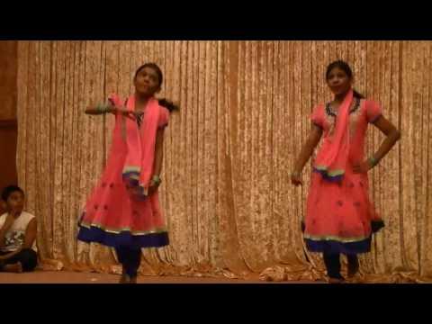 Swetha & Swathi  Chok Sutrivarum Boomi dance in 2014