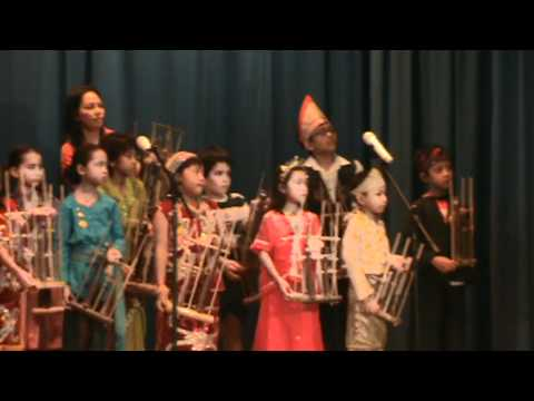 2011 International Day - Angklung Performance, Panaga School (1)