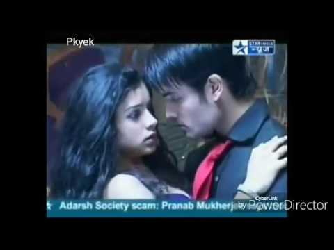 Abhiya First Dance on song 'Kuchh Khaas Hai Kuchh Paas Hai' (Pkyek)