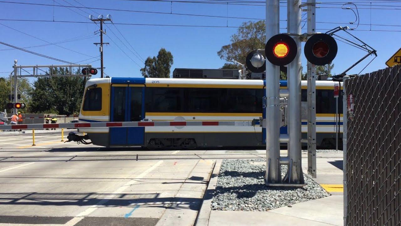 Meadowview road railroad crossing gate barrier getting