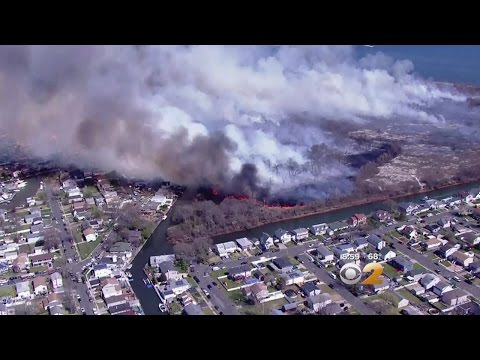 Brush fire damages 5 Long Island homes