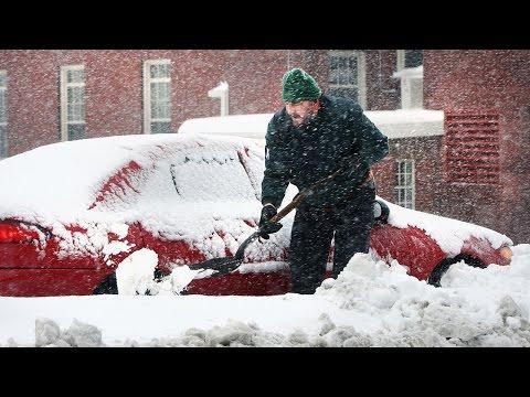 Željudin na zvezi in zakaj mečeš sneg na moj avto