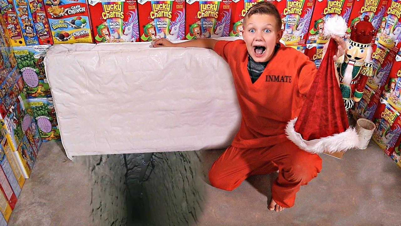 santa-s-missing-cereal-box-fort-prison-escape