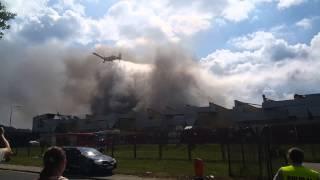 PZL M18 Dromader w akcji - pożar zakładu produkcyjnego Ilpea - Chełstówek 20.07.2015