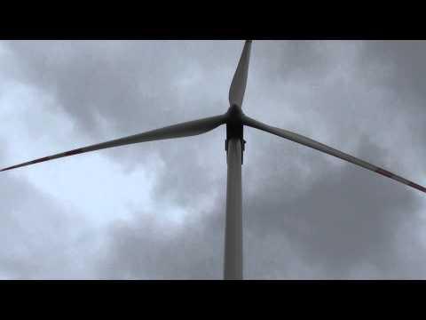 Wiatrak turbina wiatrowa Vestas 90 2 MW