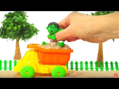 FUNNY KID IS A CRAB IN THE SAND ❤ Play Doh Cartoons For Kids