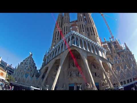LAMAX X8.1 Sirius: Streets of Barcelona 2.7K