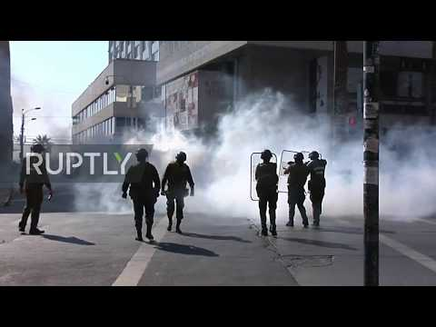 Chile: Police And Anti-government Protesters Clash At May Day March In Valparaiso
