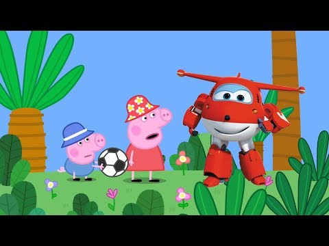 小猪佩奇和超级飞侠乐迪踢足球