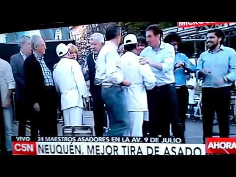 A grito pelado: así celebró la familia de uno de los asadores premiados en Buenos Aires