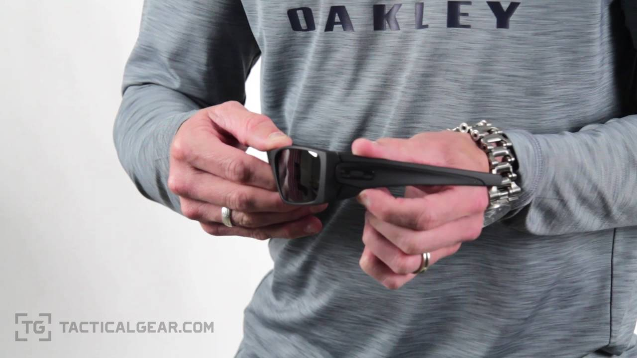 d09ae6d6f3 Oakley SI Fuel Cell at TacticalGear.com - YouTube