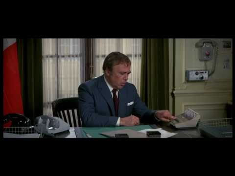Inspector Dreyfus falls from window twice