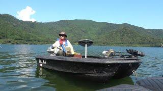 アルバイトで買った竿で奥琵琶湖のバスを仕留める【バスボート】