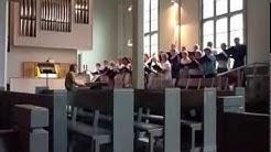 Kesäaamuna-laulun kantaesitys Sotkamon kirkossa 1.8.2012