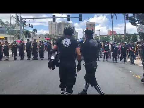 Ahora llegan a la Milla de Oro manifestantes de la UPR
