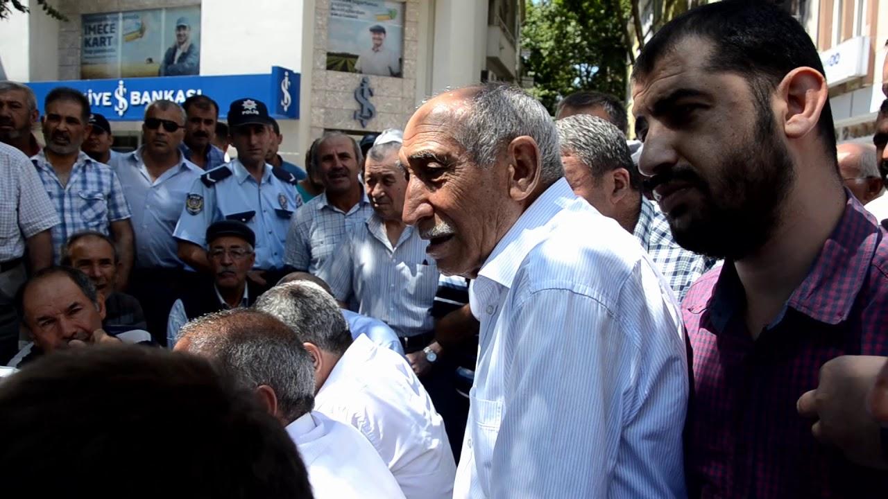 Başbakan Yardımcısı Çavuşoğlu Namaz Sonrası Vatandaşın Taleplerini Dinledi