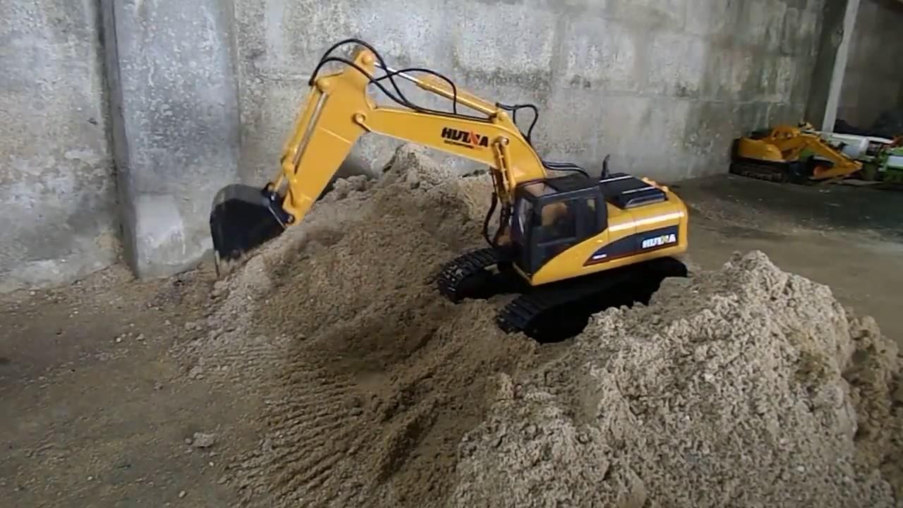 Hitachi gravemaskin arbeid pa