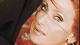 01 - Julie Pietri - Eve lève toi remixes.wmv