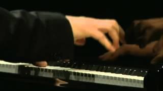 Jan Lisiecki - Chopin - Grande Valse brillante in E-flat major, Op 18