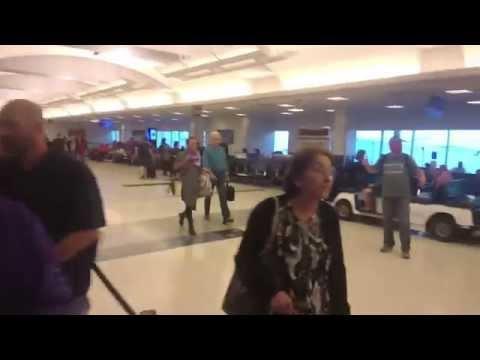 Walking Around George Bush Intercontinental Airport in Houston, TX
