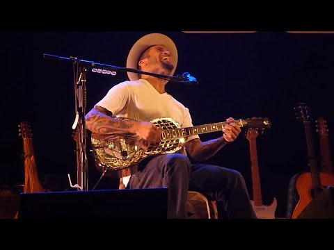 Ben Harper - (Sittin' On) The Dock of the Bay (live)