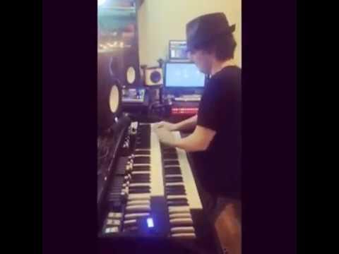 Moon Rocket _ Playing My Baby _ Hammond Organ C3