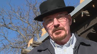 Baixar Walter White look-alike makes fans do a double take