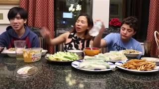 Vlog 107 ll Ba mẹ con ăn gỏi cuốn tôm thịt / buổi tối vui vẻ của ba mẹ con