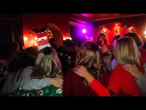 Karaoke en mayfair music club ( sabinillas )