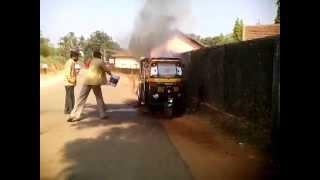 Huge Explosion In Burning auto rickshaw Catch On Camera