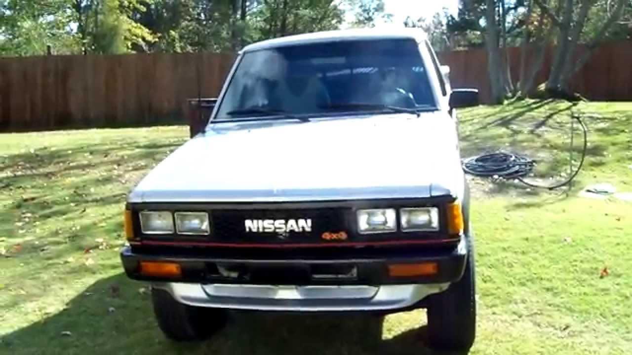 85 Nissan 720 4x4 Deluxe - YouTube