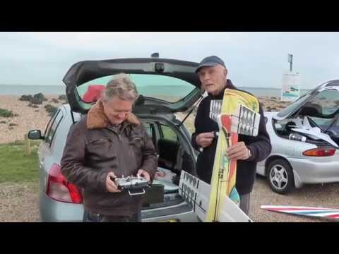 Bumper Issue Of RC Model Geeks On The Beach