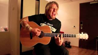 Jay Smith tolkar Guns N Roses - One in a million.mov