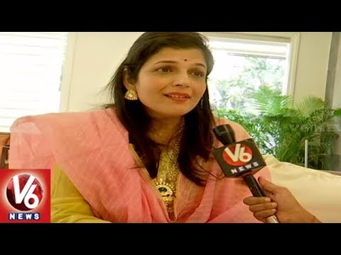 Special Interview: Versatile Bollywood Singer Kavita Paudwal Face To Face | Hyderabad | V6 News