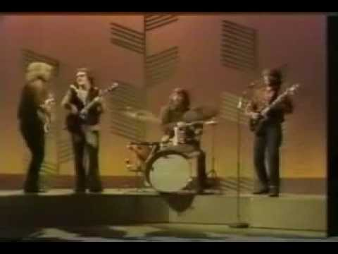 Creedence Clearwater Revival  proud mary  Rollin' on a river