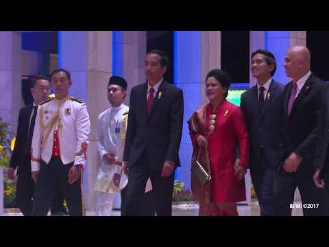 Menghadiri Perayaan 50 Tahun  Sultan Hassanal Bolkiah Bertakhta