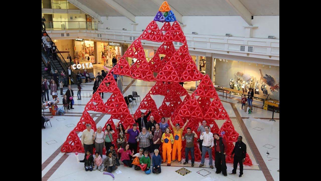 largest sierpinski pyramid tetrix guinness world record