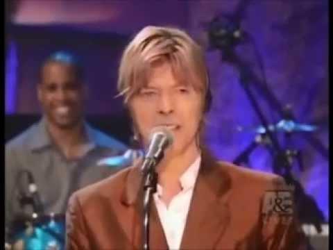 Resultado de imagen de David Bowie - Live By Request (2002)