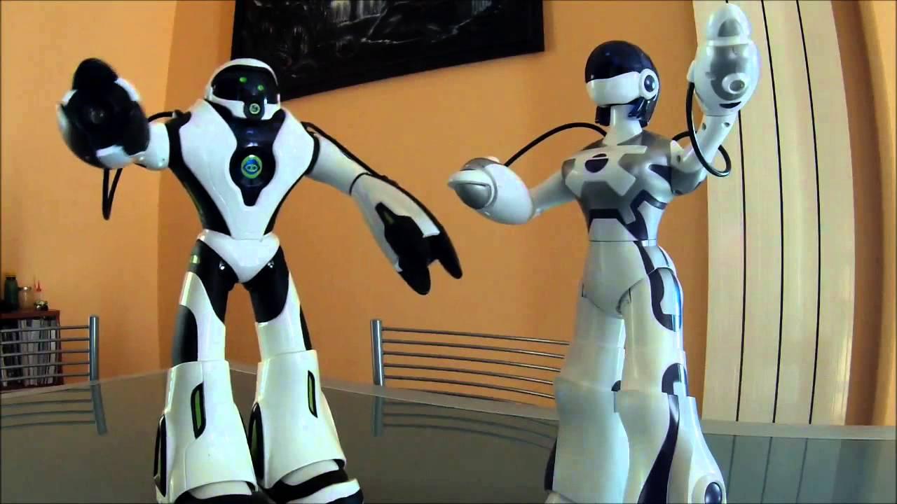 Robot Joebot Femisapien Wowwee Youtube