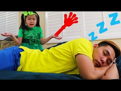 Jannie Pretend Play Wake Up Uncle for Piano Performance & Sings Baby Songs for Kids