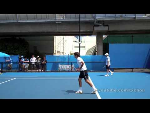 """Giao bóng 'serve"""" của Federer quay chậm qua video - DancoSport.com"""