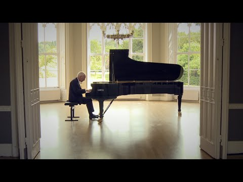Scott Joplin - Maple Leaf Rag performed by Phillip Dyson