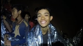 Ffeil: Achub 13 o Fechgyn o Ogof yng Ngwlad Thai
