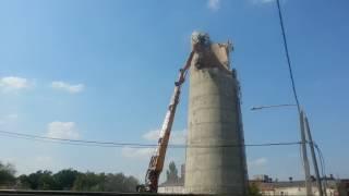 Wyburzanie komina, Pabianice 29.07.2013 r.