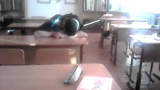 Ученик на уроке спит под классику. Смотреть всем!