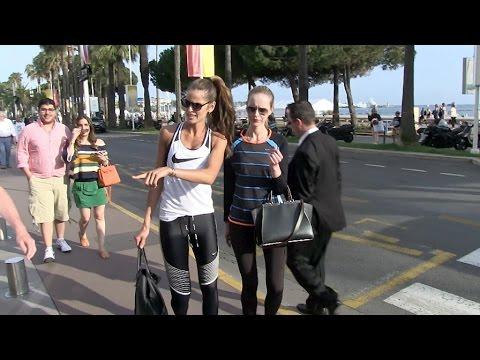 Izabel Goulart walks on La croistette with friend