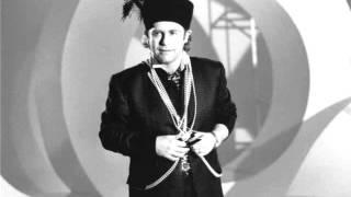 22. Wrap Her Up (Elton John - Live at Wembley Arena 12/18/1985)