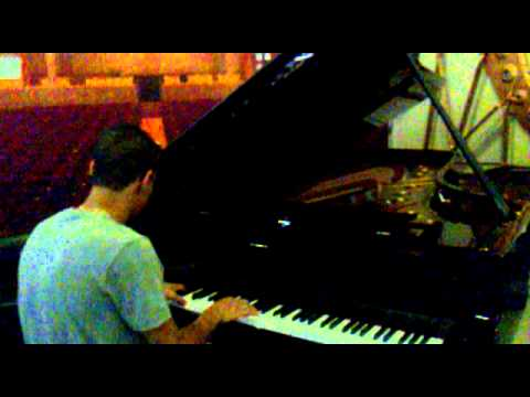 Grand Piano - Ederson Piano de Caldas