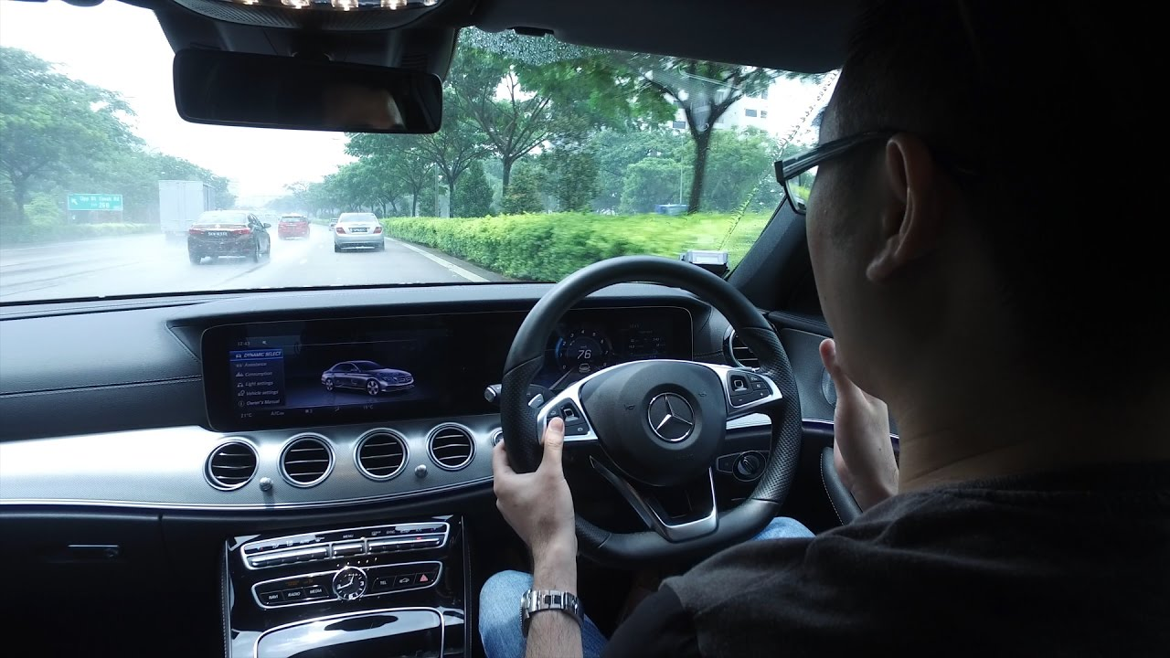 watch a mercedes benz e class with drive pilot manage itself on the